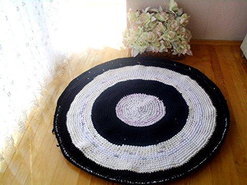 Crochet round rug, upcycled t-shirt rug, upcycled floor rug, ecofriendly braided rug