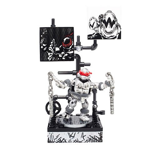 Mega Bloks Teenage Mutant Ninja Turtles - Michelangelo Eastman and Laird Collector's Figure from Mega Bloks
