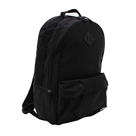 fbe6318cb23 Amazon.com: Nike SB Icon Backpack BA5727-010 (One_Size, Black/Black):  Sports & Outdoors