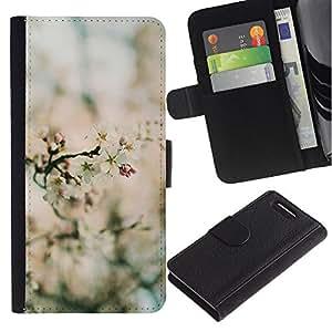 For Sony Xperia Z1 Compact / Z1 Mini / D5503,S-type® Spring Blurry Blooming Flowers Plant Green - Dibujo PU billetera de cuero Funda Case Caso de la piel de la bolsa protectora
