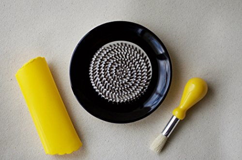 Plate Grating (Ceramic Grating Plate with Silicone Garlic Peeler and Gathering Brush (Black))