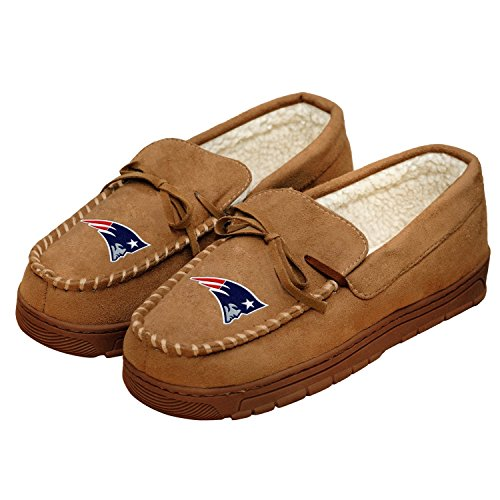 Forever Collectibles NFL Football Mens Team Logo Moccasin Slippers Shoe - Pick Team (New England Patriots, XL)