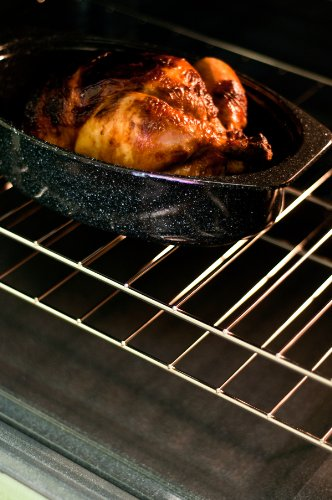 Granite Ware 6106-2 13-Inch Covered Oval Roaster, Black