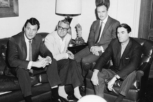 Marlon Brando Rock Hudson Gregory Peck & Cary Grant rare candid 24x36 - Poster Movie Grant