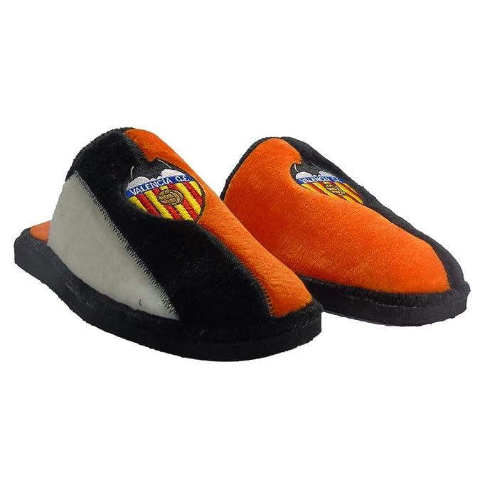 d7e265d4a Zapatillas DE Estar por CASA del Valencia C.F.  Amazon.es  Zapatos y  complementos