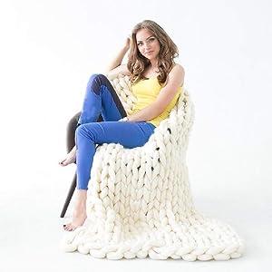 """DIRUNEN Chunky Knit Blanket Handmade by Soft Knitting Throw Bed Bedroom Decor Bulky Sofa Ivory White 47""""×59"""""""