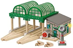 Thomas And Friends Wooden Railway - Deluxe Knapford Station