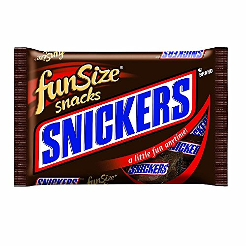 Snickers Fun Size Chocolate Candy Bars, 20.77 Ounce]()