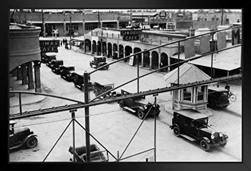 Cars at Mexico Border1929 Archival Black and White Photo Art Print Framed Poster 20x14 inch