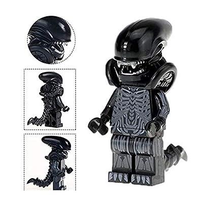 Unknown Manufacture Alien Minifigure vs Predator Xenomorph Minifigure with Gold Prime: Toys & Games