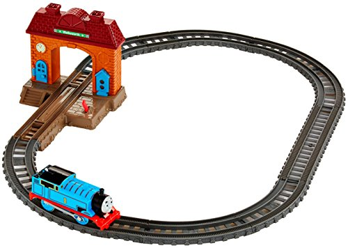 Fisher-Price Thomas & Friends TrackMaster, Station Starter Set (Thomas Starter Set Train)