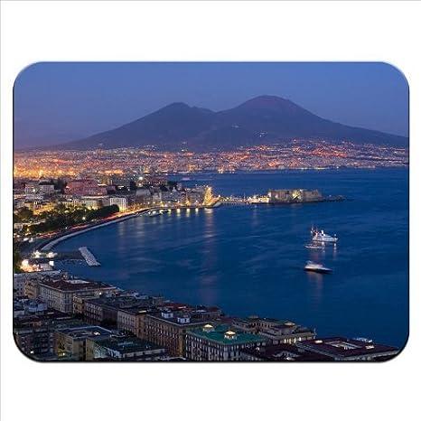 Baia Di Napoli Con Il Vesuvio Sullo Sfondo Di Ottima Qualità
