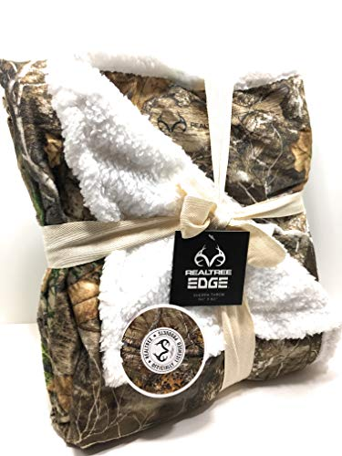 Realtree Edge Sherpa Throw 50 x 60 Camo Pattern Gray Brown Green Soft White Fleece from Realtree