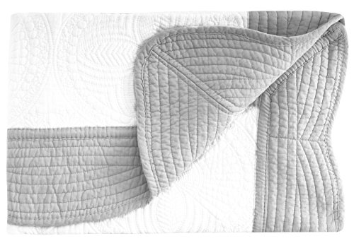 white and grey quilt - 2