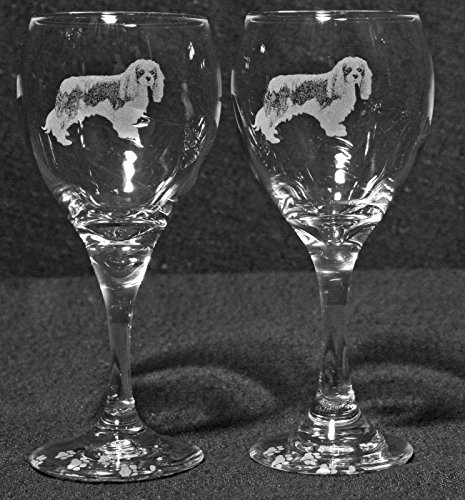 Muddy Creek Reflection Cavalier King Charles Spaniel Dog Laser Etched Wine Glass Set (2, TDW)