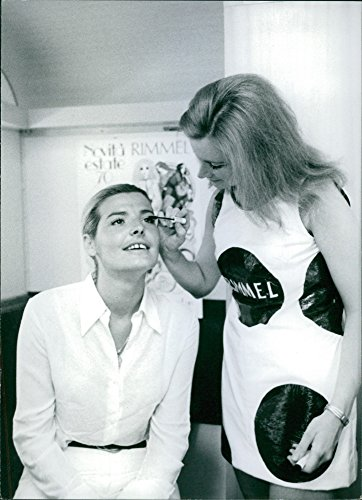Vintage photo of Giovanna having her make-up done before going on stage. (1970 Makeup)