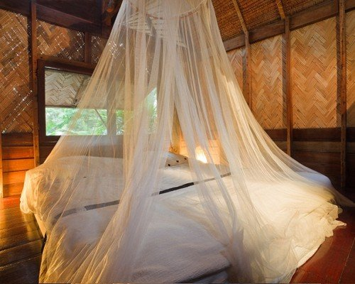 Price comparison product image Mosquito Nets 4 U LARGE Mosquito Net Bed Canopy Maximum Insect Net Protection No Skin Irritation Deet Free Natural Repellent , Complete Hanging Kit , Keep-Clean Drawstring Bag + Bonus E –Book