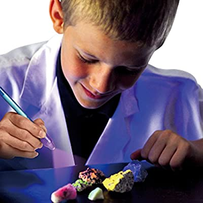 Glow Rocks – Fluorescent Mineral Science Kit: Toys & Games