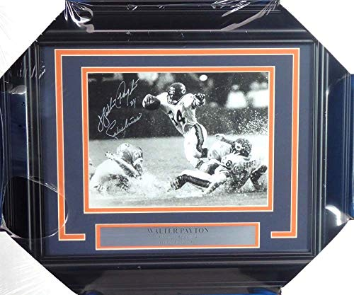 (Walter Payton Autographed Framed 8x10 Photo Chicago Bears
