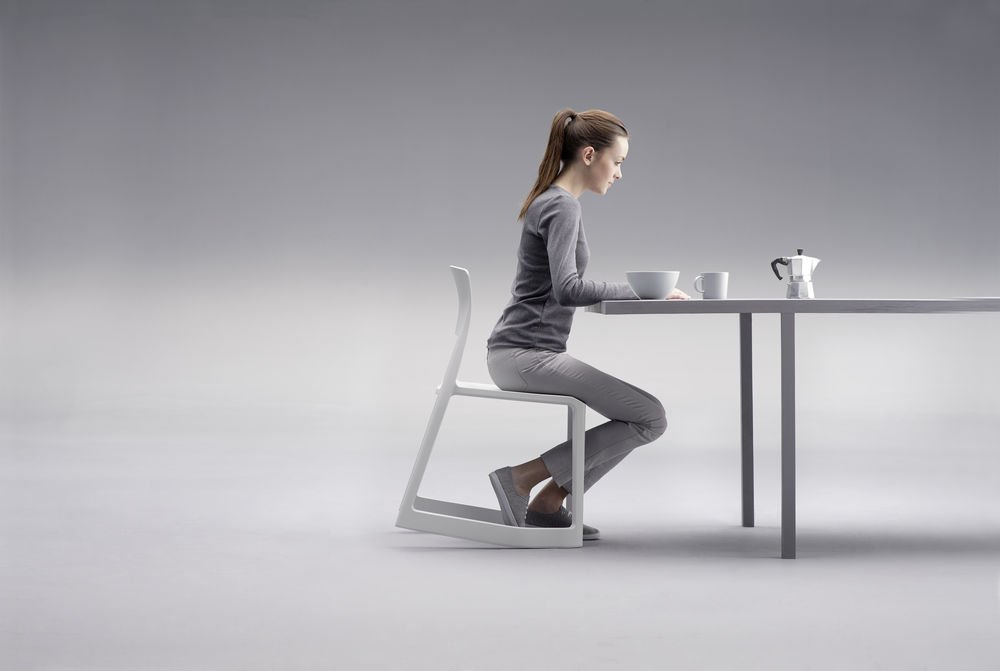 Amazon.com: VITRA silla apilable Tip Ton: Kitchen & Dining