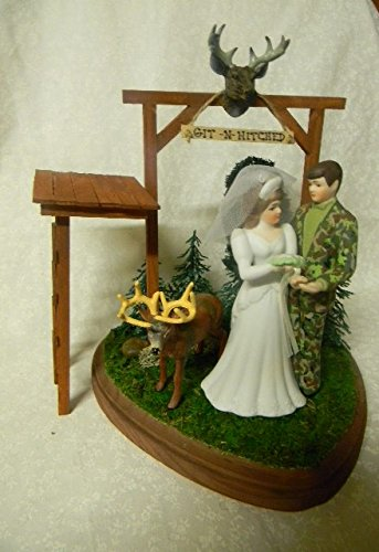 Wedding Party Reception Git n Hitched Camo Deer Hunter Cake Topper Tree Stand ()