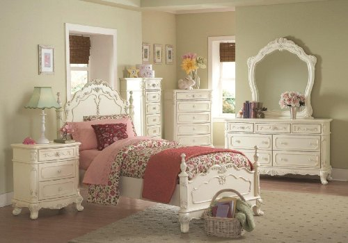 Traditional Wood Finish Poster Bed - Cinderella Full Bed by Homelegance in Off-White/Cream