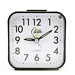 OSMOFUZE Simple Bedroom Alarm Clock, Silent Non Ticking Analog Small Lightweight Alarm Clock with Snooze and Light, Sound Crescendo, Mini Sized Travel Quartz Alarm Clock, Battery Operated (Black)