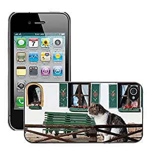 GoGoMobile Slim Protector Hard Shell Cover Case // M00124299 Pet Cat Cat Home Cozy Sitting Home // Apple iPhone 4 4S 4G