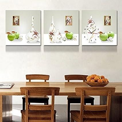 OLILEIO Il ristorante è decorato in una moderna immagine minimale ...