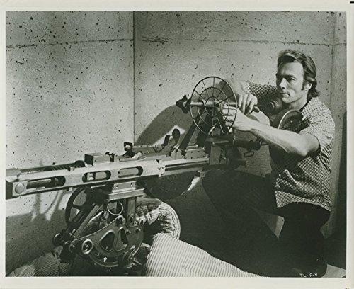 Clint Eastwood Original 8x10 Photo With Gatling Gun Thunderbolt and Lightfoot