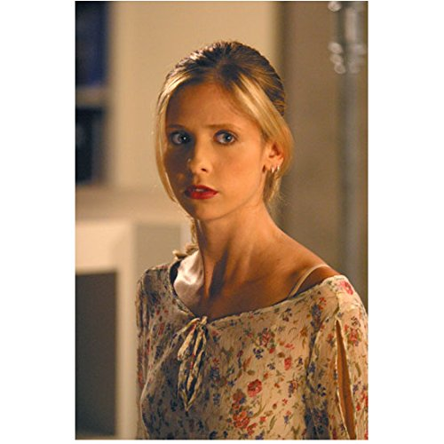 - Buffy the Vampire Slayer 8x10 Photo Sarah Michelle Gellar Tan Flowered Blouse Looking Nervous kn