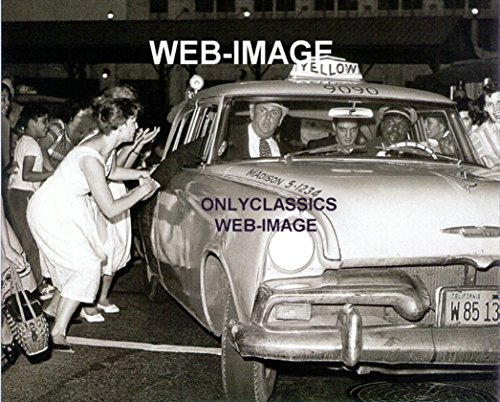 OnlyClassics 1960 ELVIS PRESLEY-COLONEL PARKER YELLOW TAXI CAB PHOTO CALIFORNIA LICENSE PLATE ()