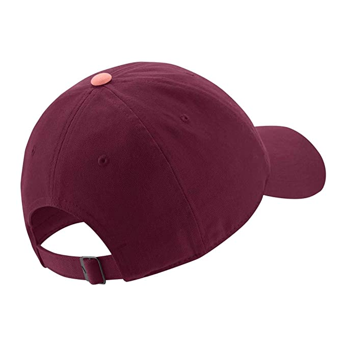 a813b5a6 Amazon.com : Nike 18/19 FC Barcelona Heritage 86 Adjustable Hat Maroon/Pink  : Sports & Outdoors