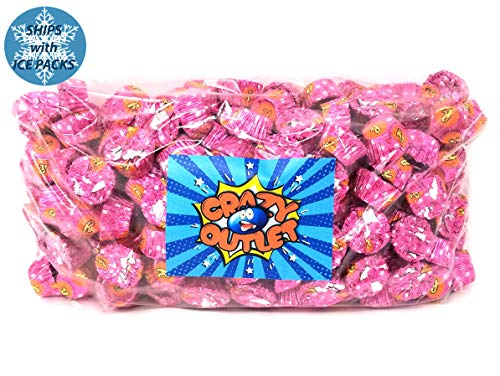 - Reese's Peanut Butter Miniatures Cups Stuffed with Pieces, Pink Foils Bulk Candy, 68 Ounces