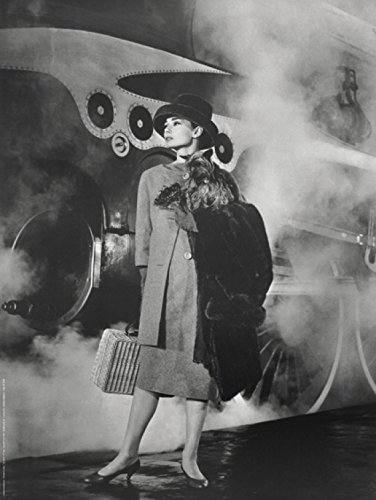 1art1 Posters: Audrey Hepburn Poster Art Print - Train (32 x 24 inches)