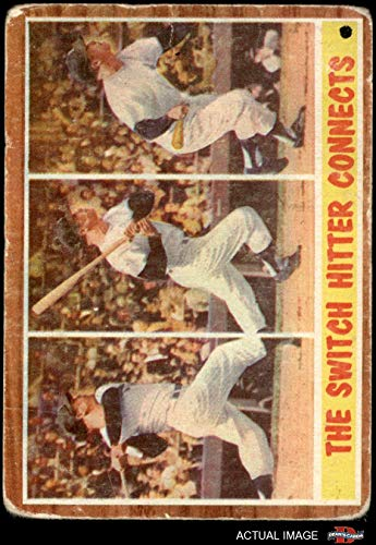 1962 Topps # 318 The Switch Hitter Connects Mickey Mantle New York Yankees (Baseball Card) Dean's Cards 1 - POOR Yankees