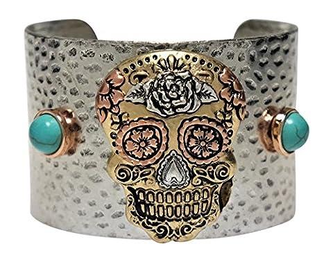 Bracelet - Silver Tone Skull Cuff Style Bracelet