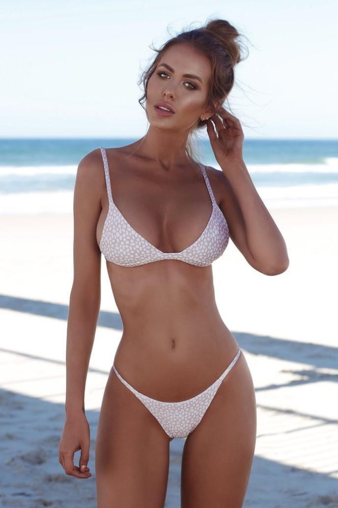 45948e36f Amazon.com  Balakie Hot Sale Push-up Padded Bra Swimsuit Bathing Sexy Women  Solid Straps two-piece Bikini Set One hundred wrinkle swimsuit (M