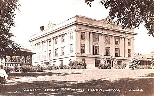 West Union Iowa >> Court House West Union Iowa Postcard At Amazon S