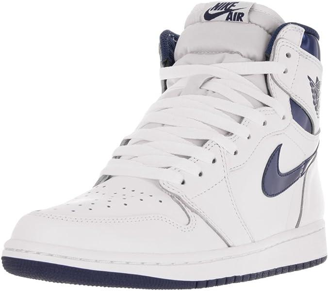 new arrival 7e770 3d7ec Amazon.com   Air Jordan 1 Retro - 555088 106   Fashion Sneakers