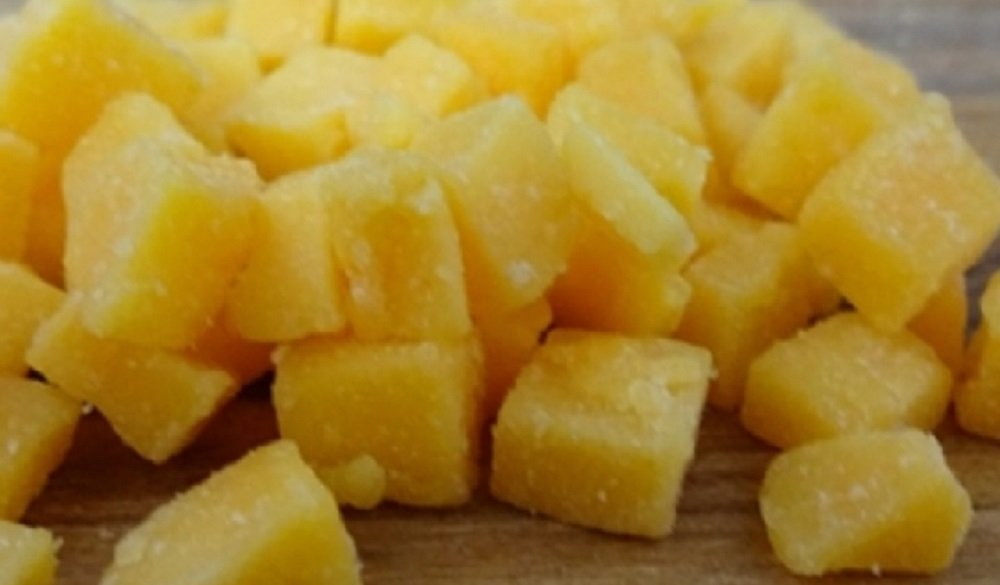 High Temperature Cheddar Cheese 1/4'' diced (5 lb) for Cooking Sausage Brats ect.