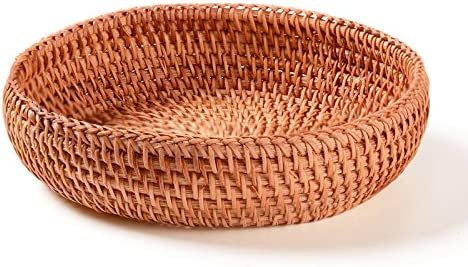 Small Handmade Woven Storage Basket Display Basket Fruit Candy Cake Basket Or Storage for Keys, Wallet, Cell phone and more.