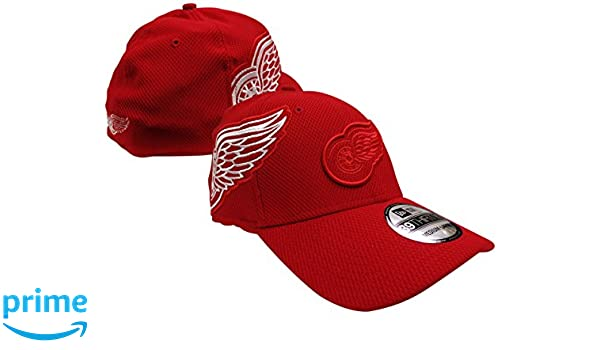 dadffb6b8b2fc Amazon.com   Detroit Red Wings Logo Twist 39THIRTY Red Flex Fit Hat   Cap  Medium Large   Sports   Outdoors