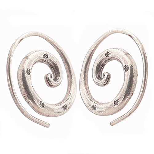 BEAUTIFUL COIL EARRINGS SILVER by THAI KAREN HILLTRIBE (Charms Coil Hill Tribe)