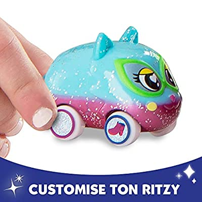 Tomy Ritzy Rollerz Toy Cars with Surprise Charms, Heelz on Wheelz Shoe Shop Playset with Helena Heelz: Toys & Games