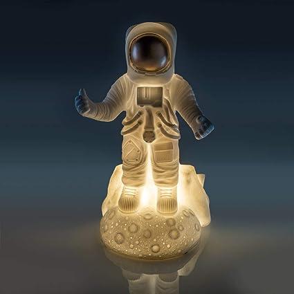Amazon.com: Lámpara de mesa Astronaut: Toys & Games