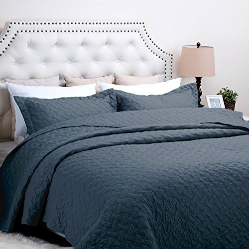 Bedsure Solid Patterned Quilt Set with Shams - Hypoallergenic and Lightweight Pattern B, Navy Blue Twin (Twin Bed Quilt Blue compare prices)