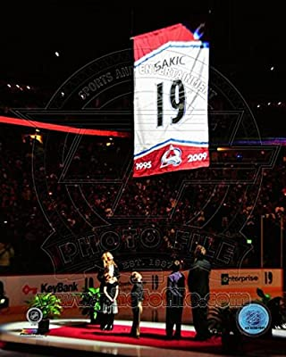 Colorado Avalanche Joe Sakic 2009 Jersey Retirement Ceremony Photo 8 x 10in