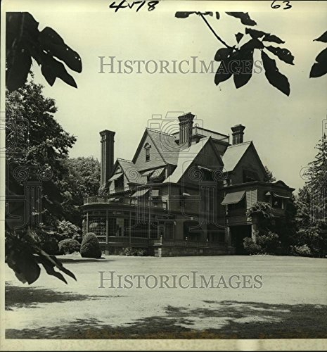 - 1975 Press Photo Glenmont, The Thomas A. Edison Home in Jersey. - noa95211-8.25 x 7.5 in. - Historic Images