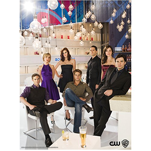 Smallville Aaron Ashmore with Cast Daily Planet 8 x 10 Inch Photo